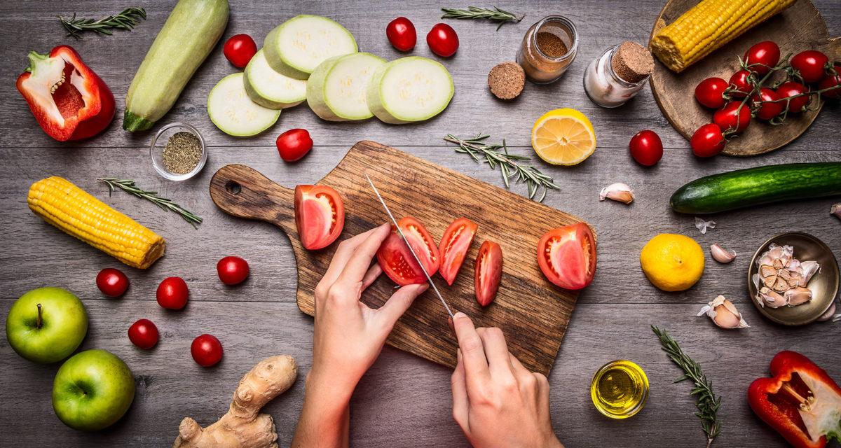 Kochen macht Spaß! Wir testen für Euch Kochboxen. (Foto: iStock/Sergeyshibut)
